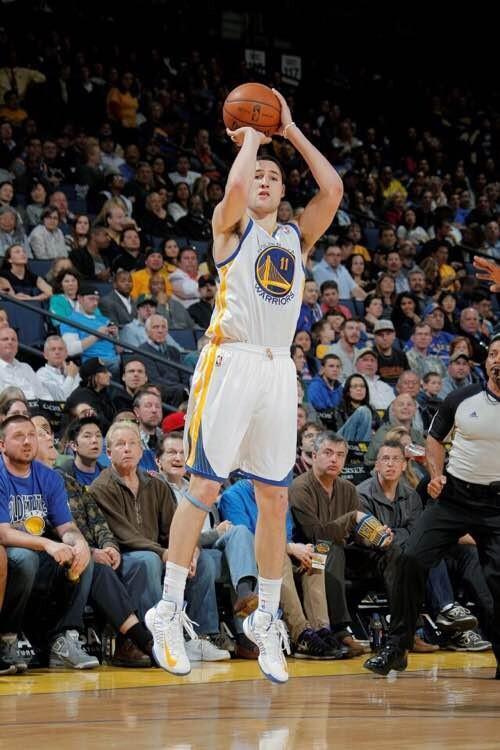 汤普森投篮姿势标准么?他的出手速度是什么等级的?