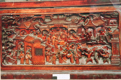 徽州三雕,即砖雕,木雕,石雕,是徽州古代建筑长期使用的一种装饰手法