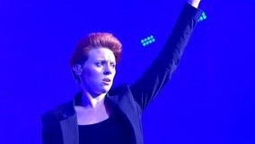 La Roux Live At Glastonbury 2015